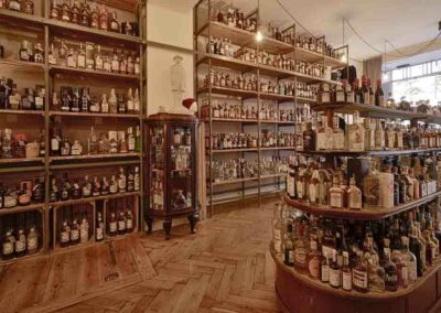 Galander Liquor Store